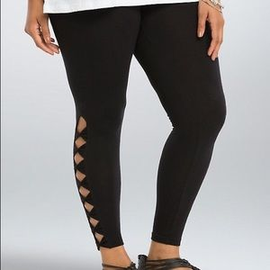 New Torrid Bow Side / Cut Out Leggings Size 1 / 1X